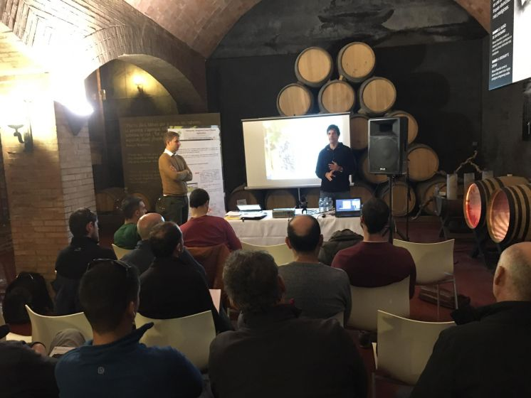 Presenting VISCA DSS to Vineyard Growers